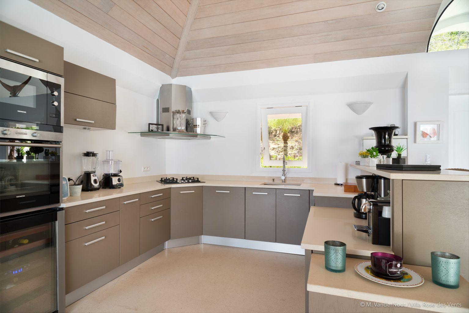 Villa Rose des Vents - Caribbean Villa Rental St Barth with Jacuzzi - Kitchen