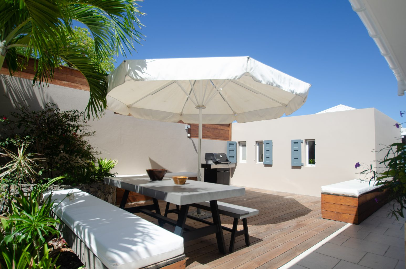 Villa Vague Bleue - Shopping Close by Villa for Rent with Large Pool - BBQ Area