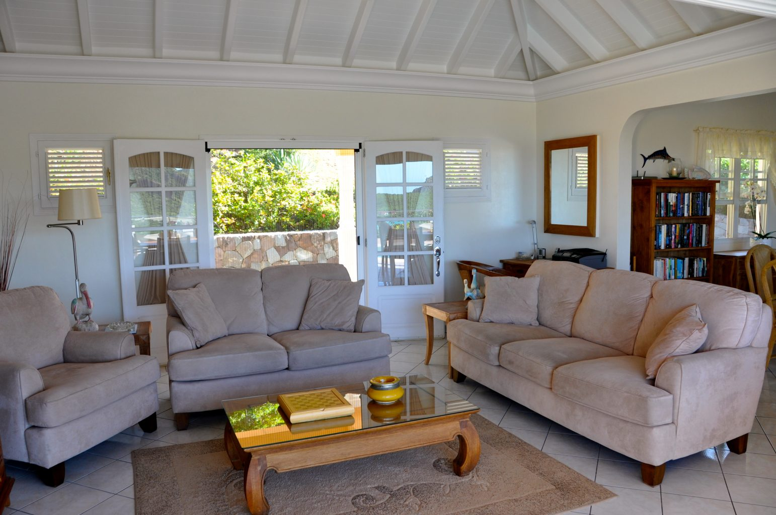 Villa Les Acajous - Seaview Villa for Rent a Short Drive Away from the Beach, Shops and Restaurants - Living room
