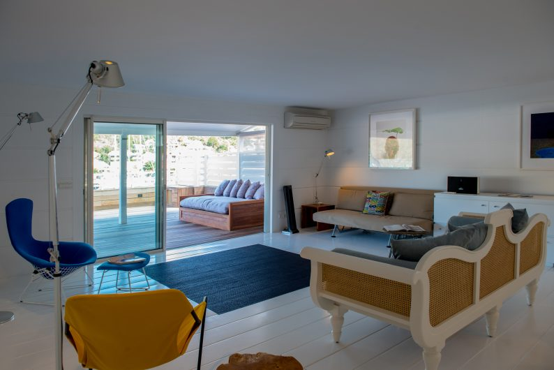 Penthouse Gustavia - Luxury Penthouse Rental City view - Living room
