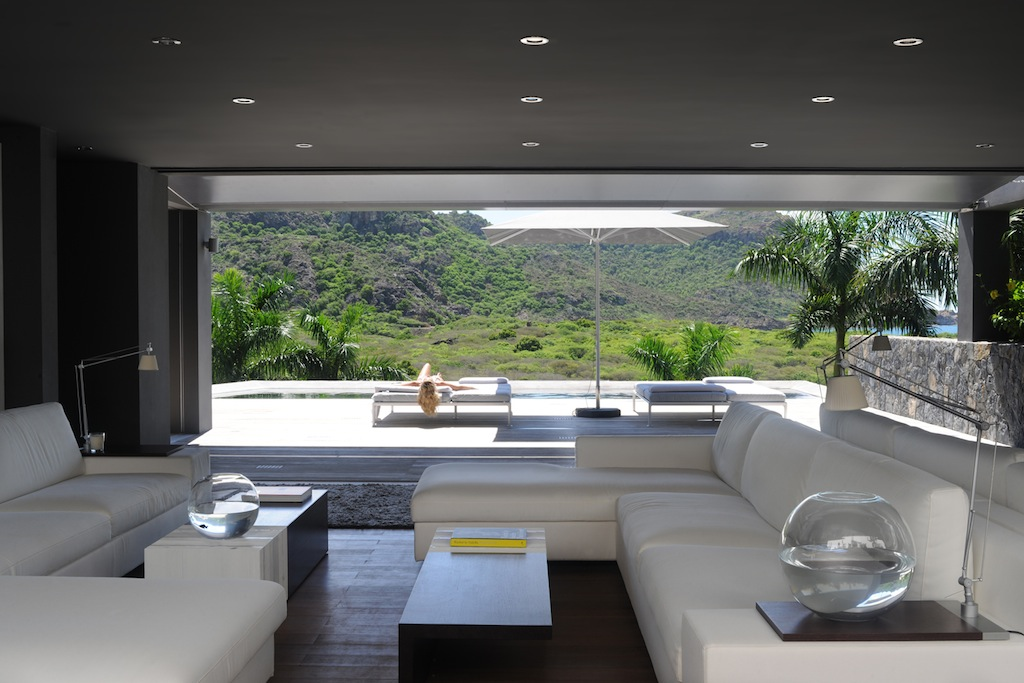 Villa Dunes - 6 Bedroom Villa for Rent with Two Independent Bungalows - Living room