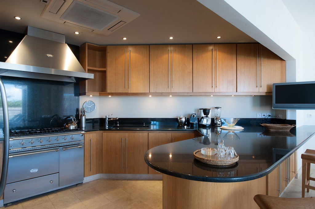 Villa Sur Le Port - Luxury Villa Rental in the Heart of Gustavia St Barth - Kitchen