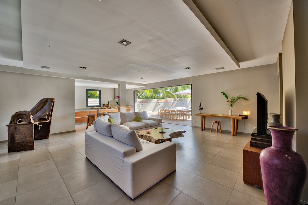 Villa K - Beachfront Villa for Rent St Barth Anse des Cayes Fully Equipped - Living room