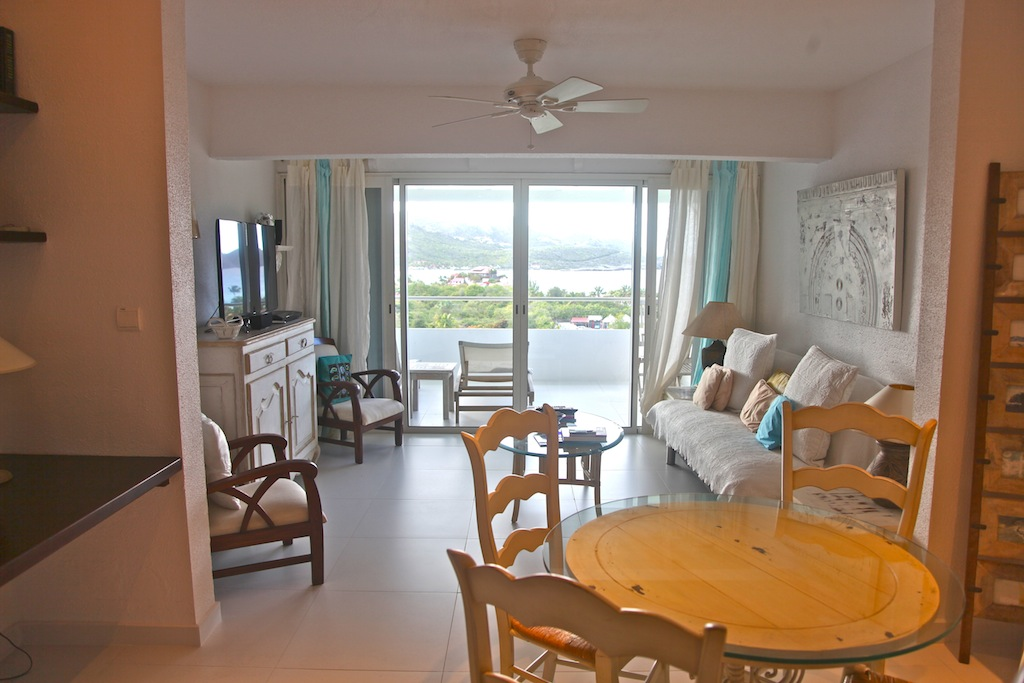 Apartment Dreaming View - One Bedroom Villa for Rent with a Common Pool - Main Area