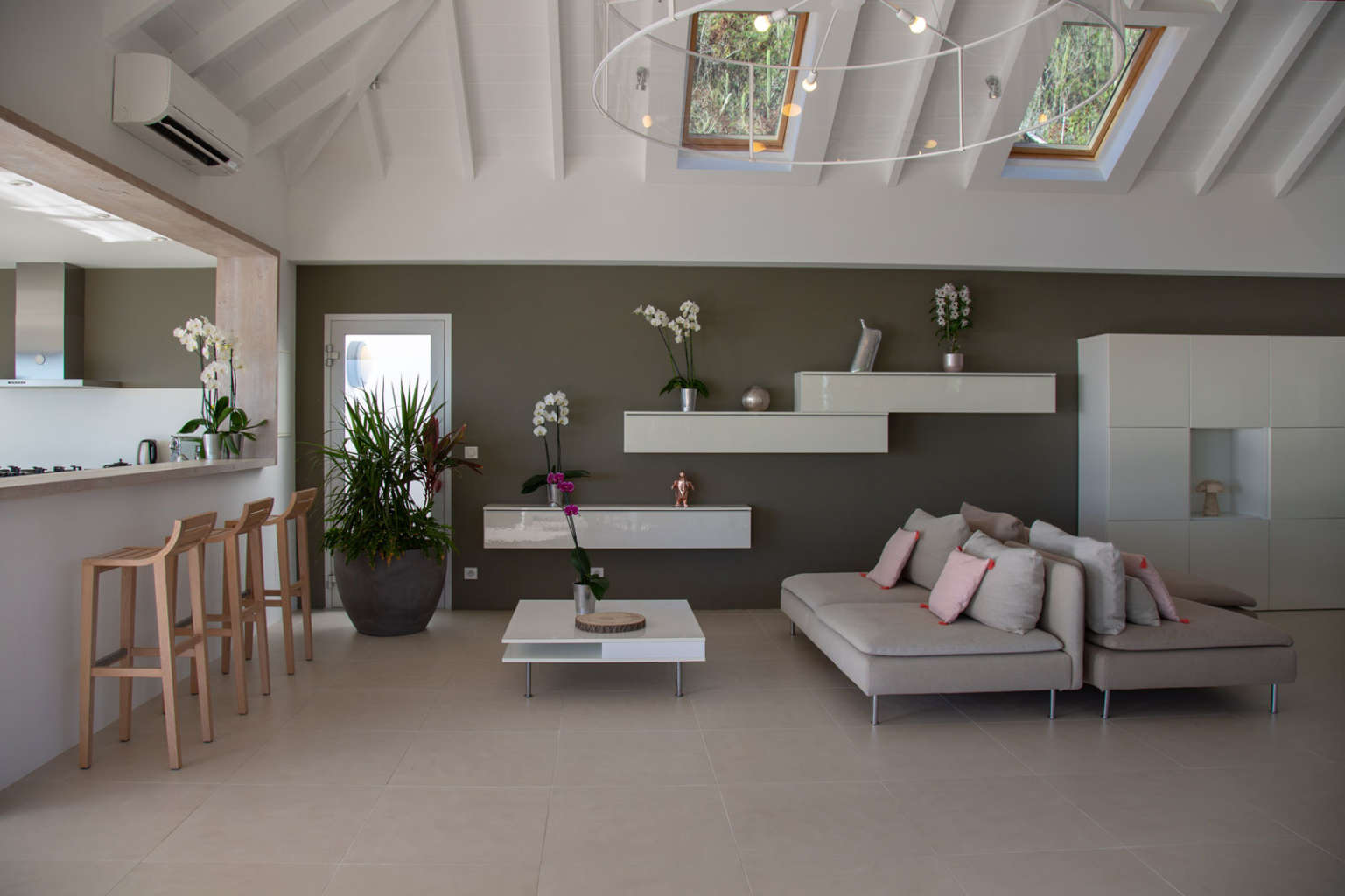 Villa Aka - 3 Bedroom Villa for Rent St Barth Corossol with an Amazing View - Living room