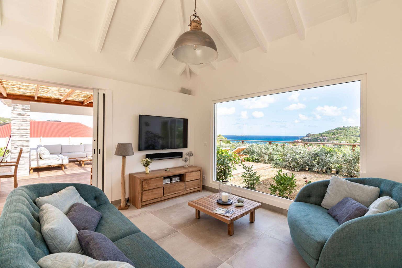 Villa Au Paille En Queue - 2 Bedroom Villa for Rent with Pool - Living room