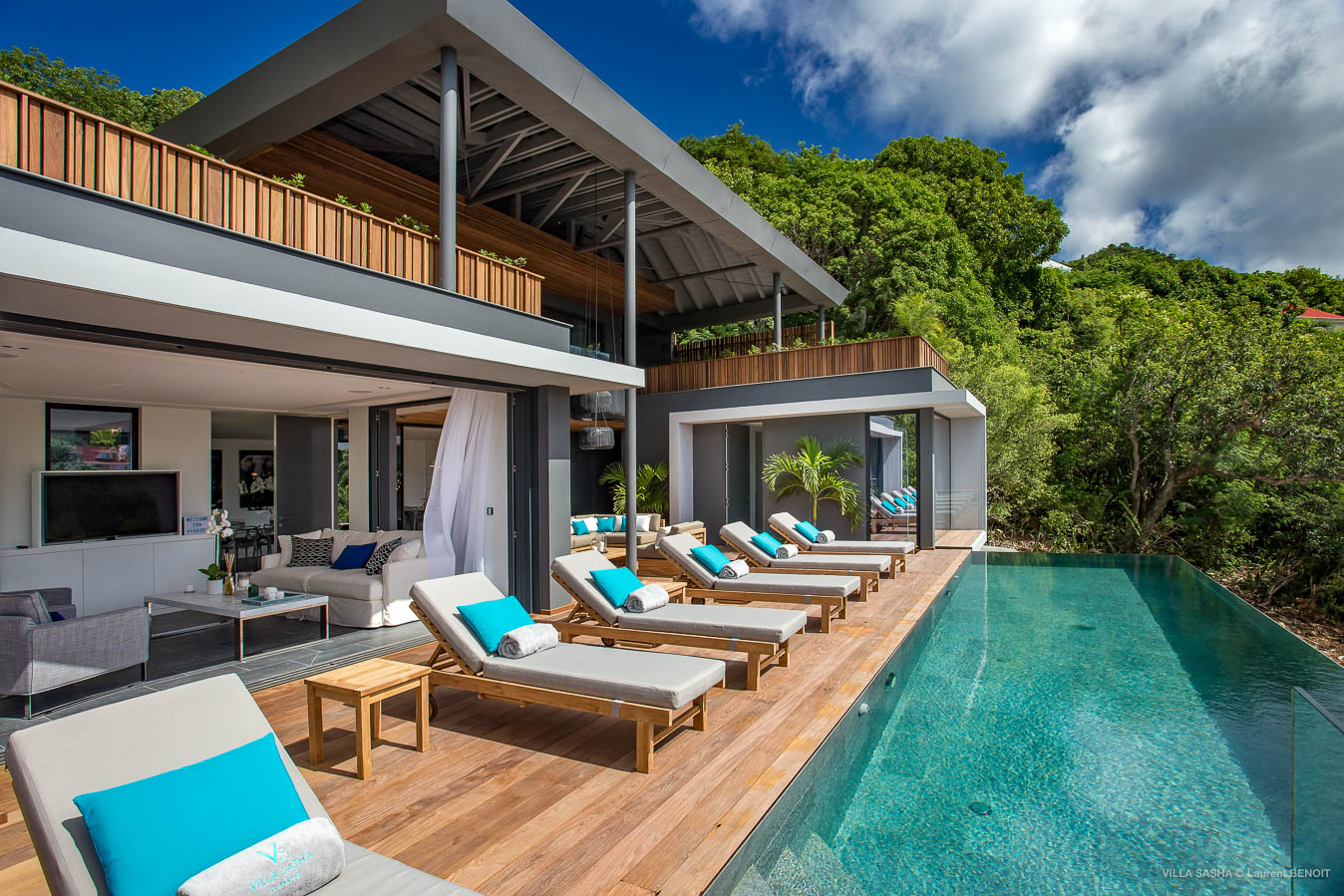 Villa Sasha - Villa for Rent with Heated Pool Corossol - Outside View