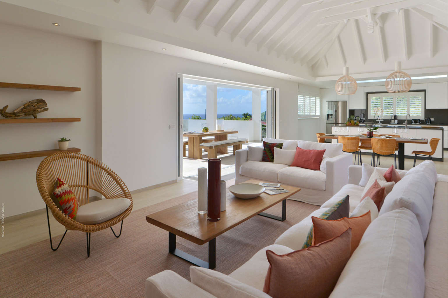 Villa South Wave - 2 Bedroom Villa For Rent with Full Air Conditioning - Living room