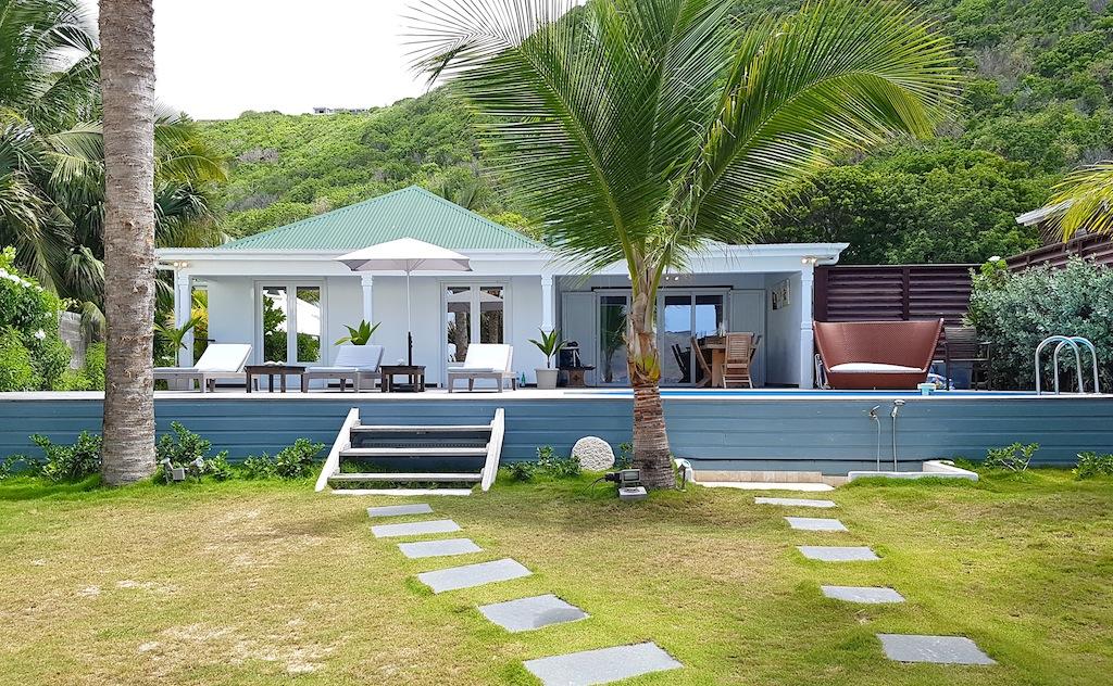 Villa Ecoute les Vagues - Beachfront Villa For Rent with Pool - Outside View