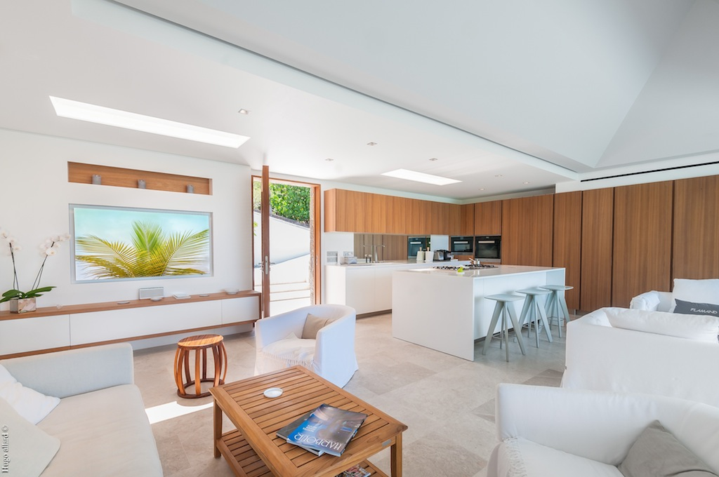 Villa Palm - Very Chic Designed Property Including Woodden Materials and White Color Touch - Main area