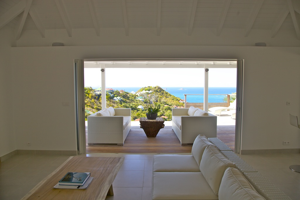 Villa Rivendell - Seaview Villa for Rent with a Beautiful View on the Hills of Flamands and the Bay - Living Room